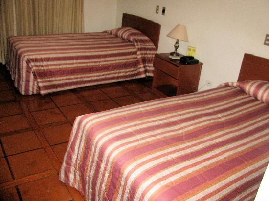 DM Hoteles Nasca: Double beds