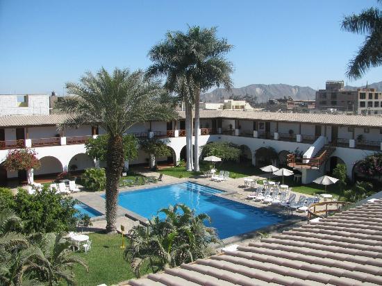 DM Hoteles Nasca : Pool Area