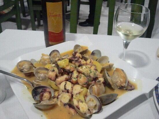 Restaurante O Mar: Cazuela de pulpo y almejas