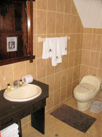 Pozo del Cielo: Bathroom