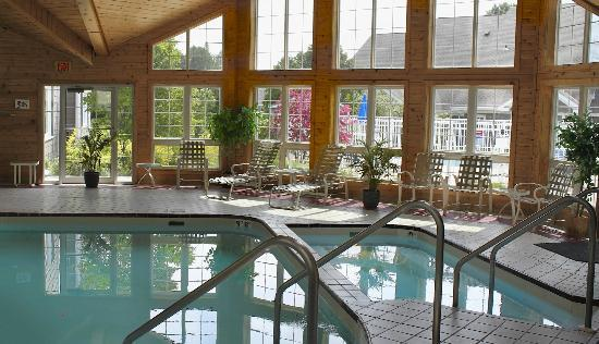 Baileys Harbor Yacht Club Resort: Indoor Pool