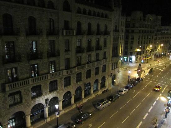 HCC Montblanc: Vue du 4ème étage la nuit