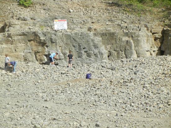 Herkimer Diamond Mines: Herkamer Diamond Mines