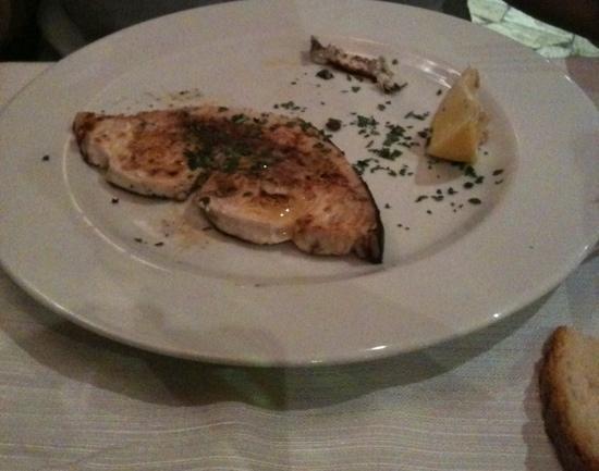 Mica Male: questa dovrebbe essere la porzione di pesce spada alla griglia per 16 euro