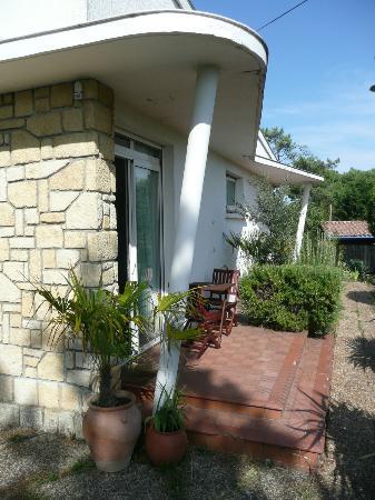 Les Genets: la terrasse de la chambre SUD