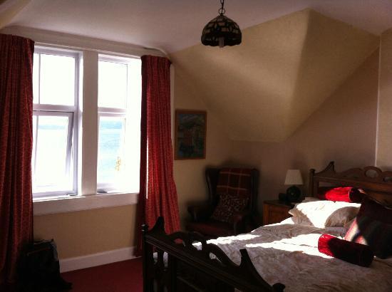 Clisham B&B: Spacious and bright rooms