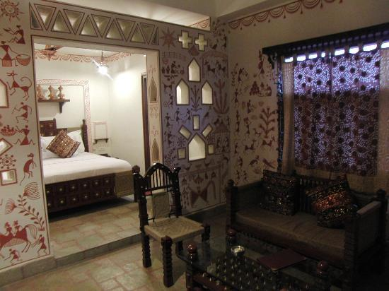 Pearl Palace Heritage - The Boutique Guesthouse: View of the room on the left handside at the end of the corridor
