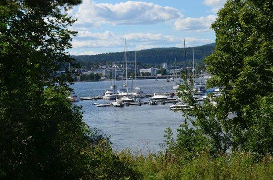 Henie Onstad Art Center: View behind the Art Center