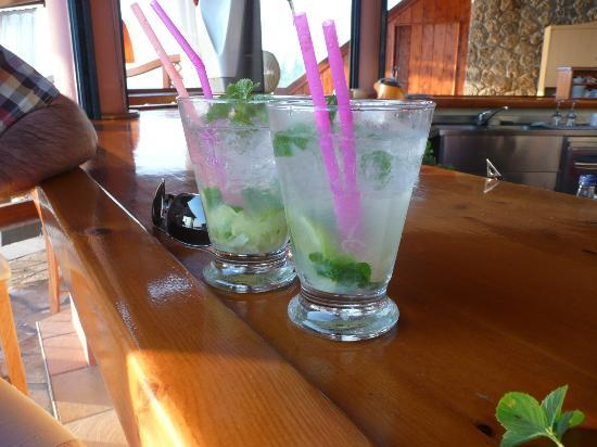 Delfino Blu Boutique Hotel: 2 finished Mojitos - Tomas' specials - lovely too!!