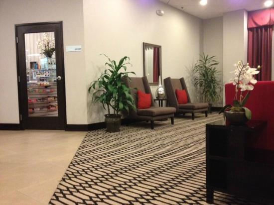 Holiday Inn Express Los Angeles-LAX Airport: Lobby 2