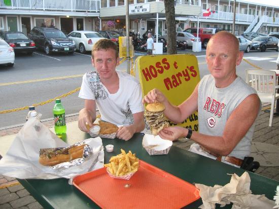 Hoss and Mary's Grub Shack : ocho burger tasty grub!!