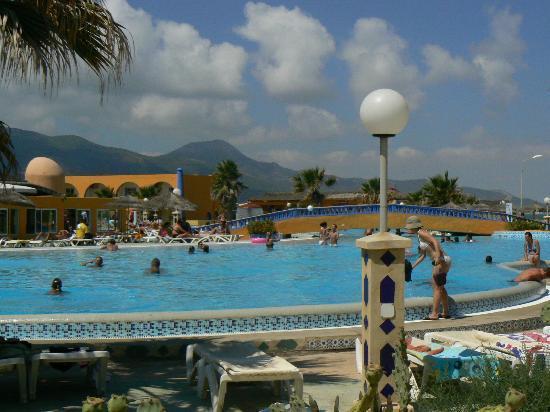 Bir El Bey, Tunisie : piscine