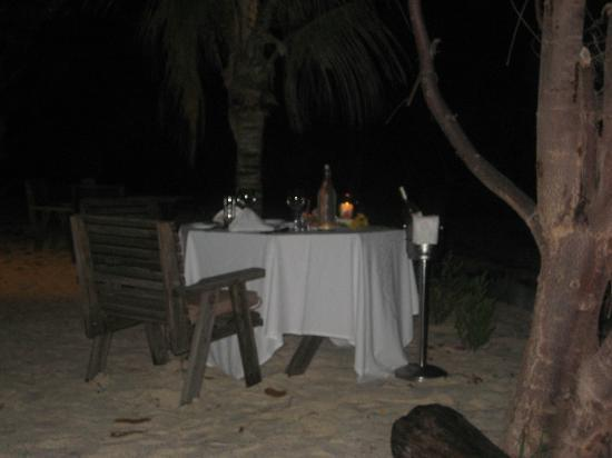 Denis Private Island Seychelles: Candlelit dinner on the beach