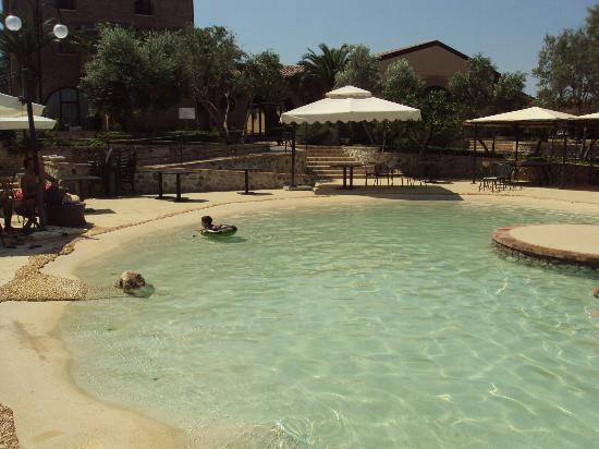 Relais Il Mulino: Zona piscina
