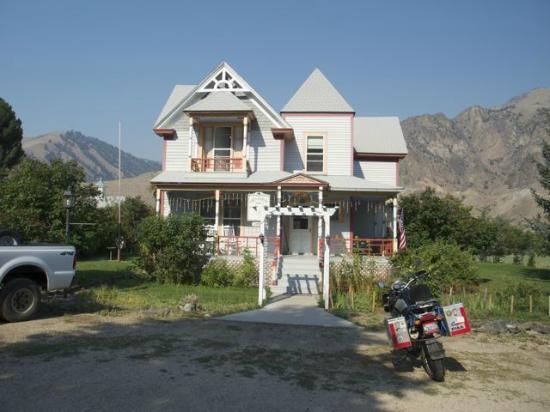 Greyhouse Inn Bed and Breakfast: The Greyhouse Inn
