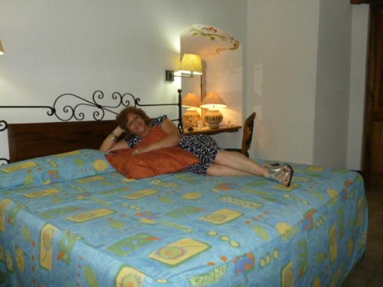 Hotel Parador San Agustin: Habitación planta baja cama King