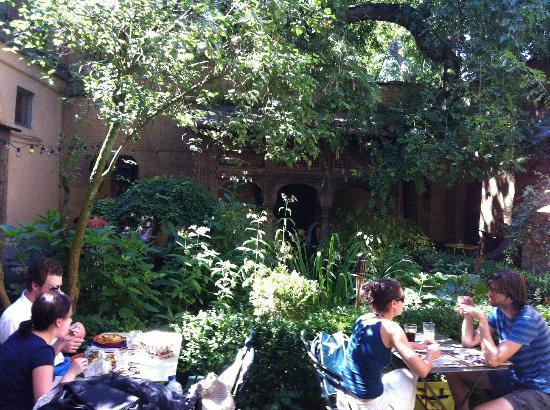 Uit steppe & oase theeten: Secret Garden
