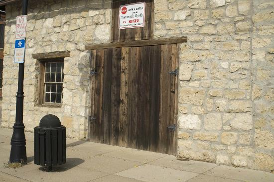 Marysville, KS: Pony Express Home Station #1 entrance to the old stables