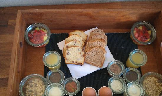 Inis Meain Restaurant & Suites: Breakfast tray