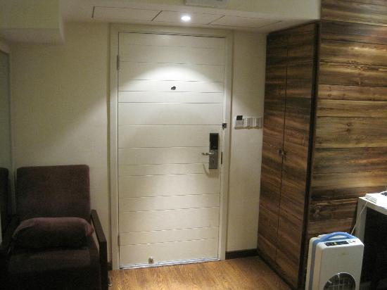 Lotus Glade Hotel 52 Villa: Dehumidifier