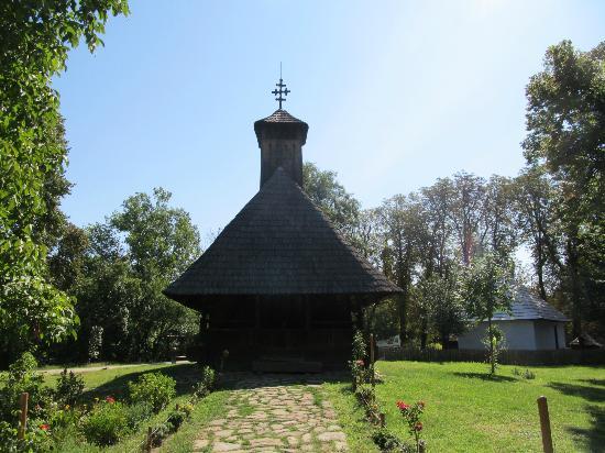 Village Museum (Muzeul Satului): Church