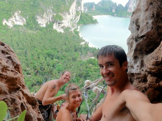 Railay Beach, Tailandia: Hanging out on Big Wave