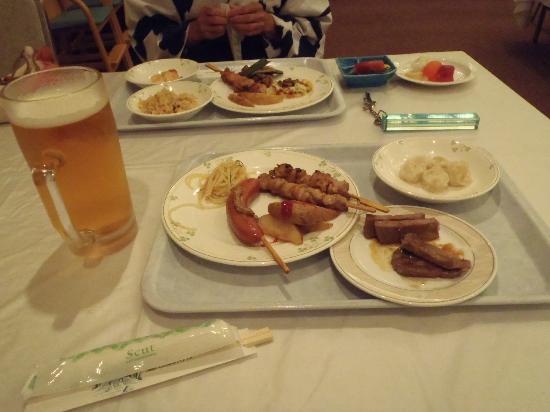 Yuzawa Toei Hotel: 夕食バイキング