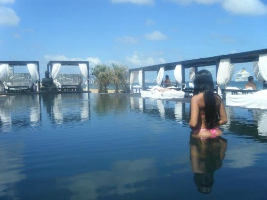 Serena Hotel Punta del Este: Piscina externa