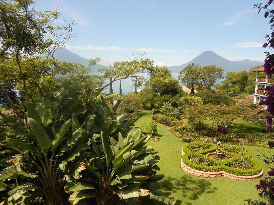 Hotel Atitlan: View from balcony