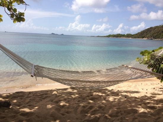 Mango Bay Resort: relaxing after snorkeling