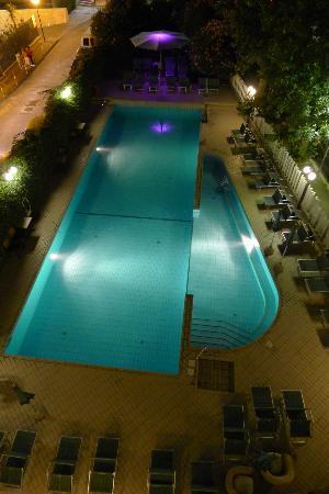 Hotel Ines: Piscina
