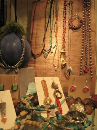 Eugene, OR: Earthy Jewelry