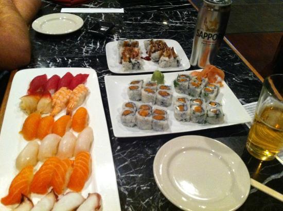 Three Samurai Japanese Restaurant : A sort of nigiris and sushis #4...