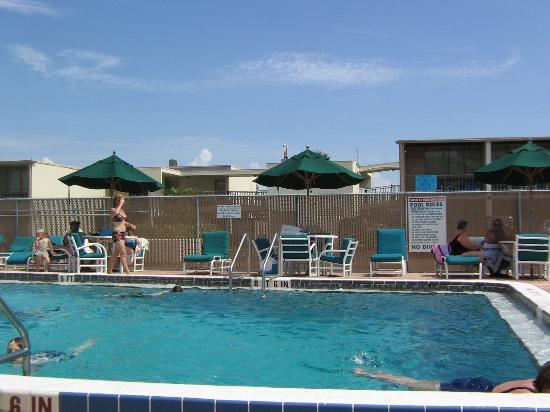 Ocean Landings Resort and Racquet Club: Pool area