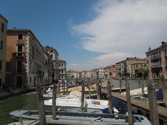 Locanda ai Bareteri: Cerca al RIOALTO y PIAZZA SAN MARCO