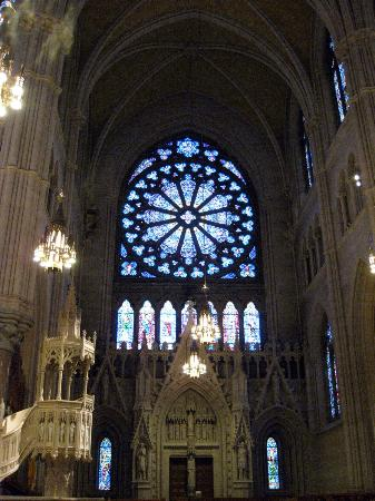Cathedral Basilica of the Sacred Heart: Basilica of the Sacred Heart rose window