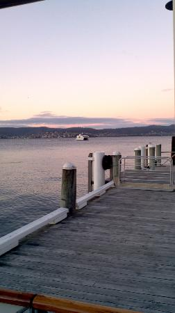 Wrest Point Water Edge: Pier to for cruises to better food.