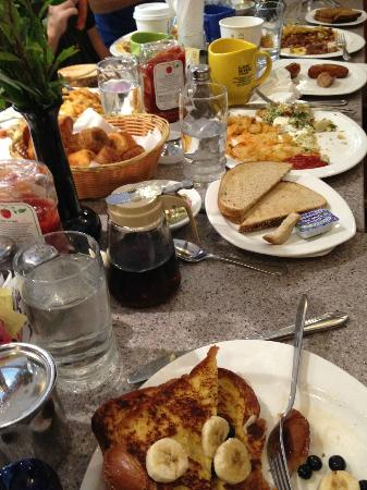 Gee Whiz Restaurant: Breakfast for 10