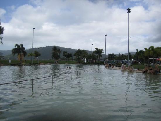 Coral Sea Resort: la piscine d eau de mer de la ville