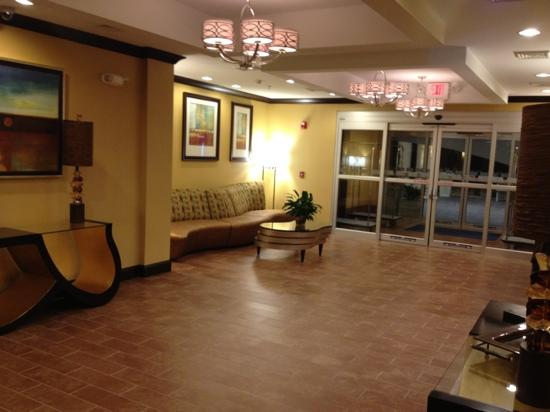 Holiday Inn Express and Suites Wytheville: lobby