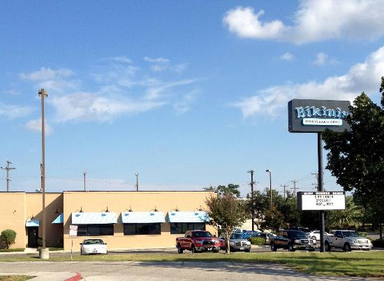 Bikinis Sports Bar Amp Grill San Antonio Restaurant