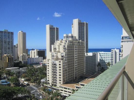Ohana Waikiki West: View from 17th floor