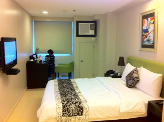 The Exchange Regency Residence Hotel: premiere room