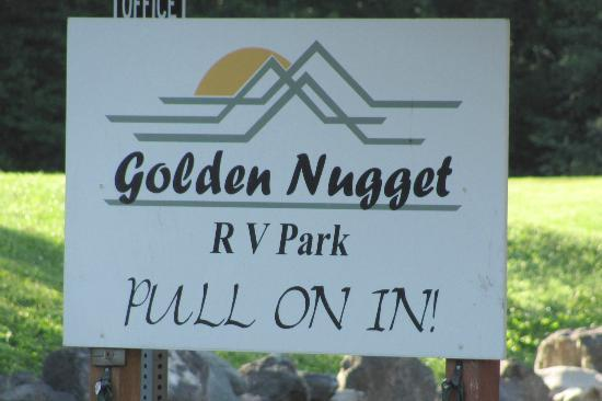 Golden Nugget RV Park: easy to find with this sign