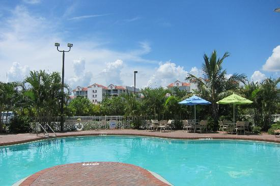 Residence Inn Cape Canaveral Cocoa Beach: Pool side