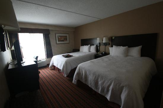 Hampton Inn Boston / Cambridge: La chambre 208