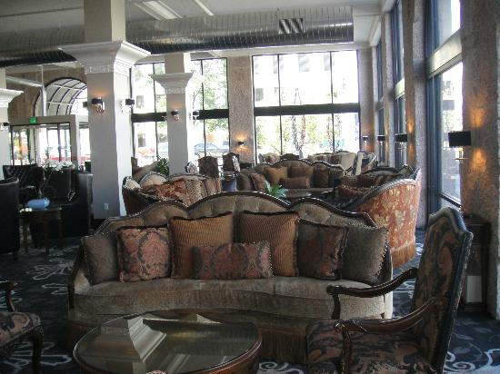 The Mining Exchange A Wyndham Grand Hotel & Spa: Nice relaxing lobby for a drink or to read.