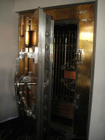 The Mining Exchange A Wyndham Grand Hotel & Spa: This safe is in the Lobby and used to hold the gold minerals in raw form.