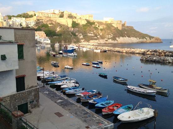 Hotel La Corricella: Corricella harbour looking towards the hotel