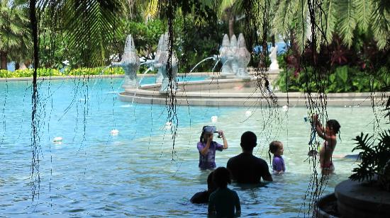 Mandarin Oriental, Sanya: Tropical Paradise Pool